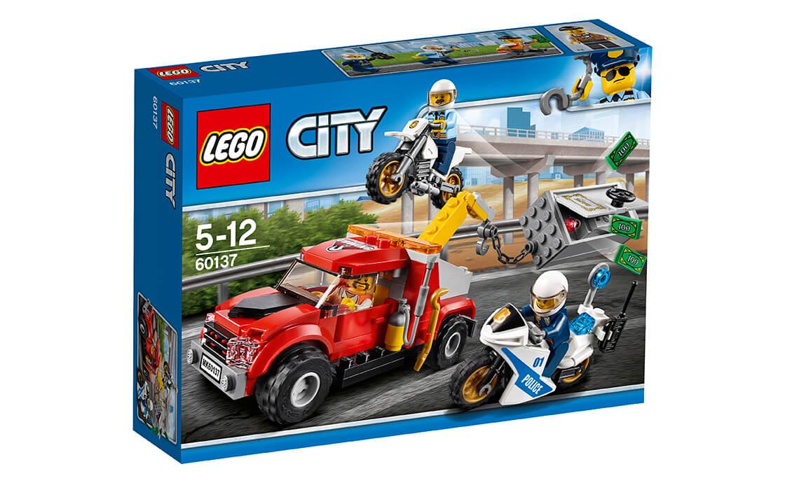 LEGO City Втеча на буксирувальнику (60137)
